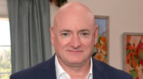 Genetic Mystery: Spending A Year In Space Has Left Astronaut Scott Kelly With A Much Funnier Way Of Saying Check, Please! Than His Identical Twin Brother